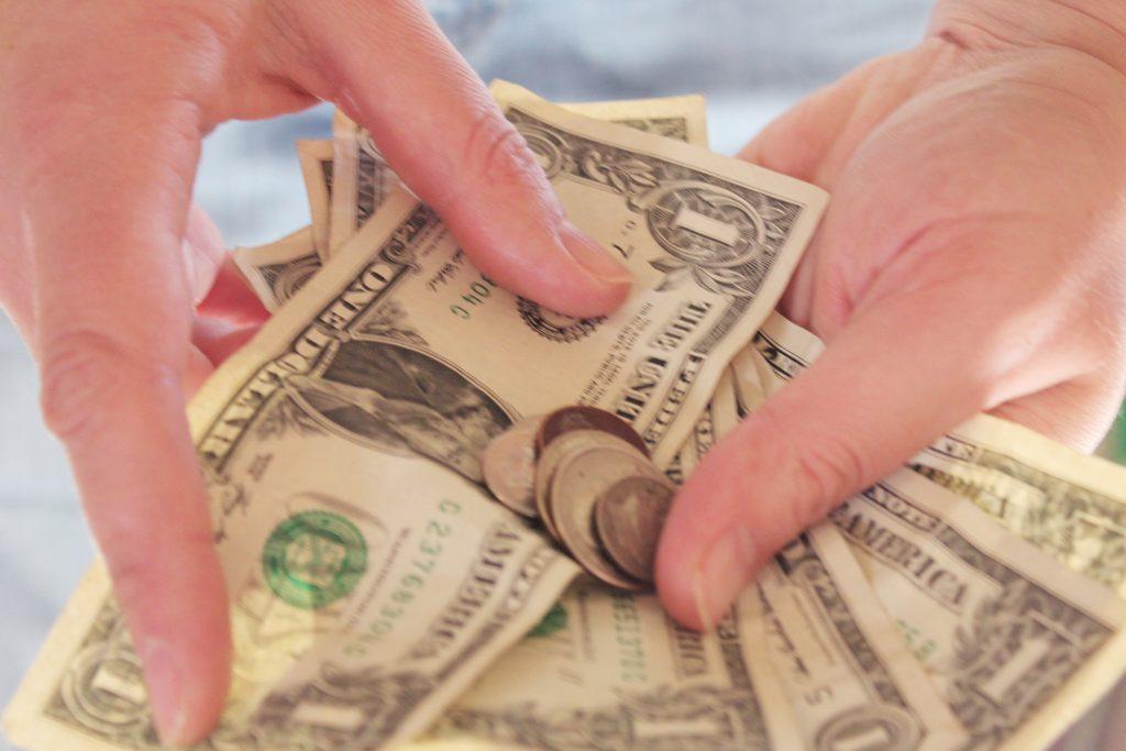 Bani pentru nevoi urgente: cum recunoști creditele riscante și care sunt opțiunile